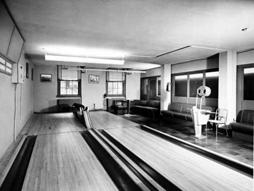 bowling-alley-1948-w.jpg