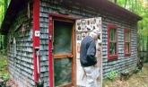 Blei closes up his shop